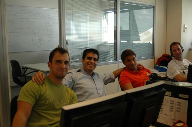 Parte de mi equipo en Isotrol: José, Gabri y Javi con un insider :-)