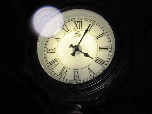 Reloj. No marques las horas. Que el 2011 se acaba... Foto de Flickr. Click para ver original