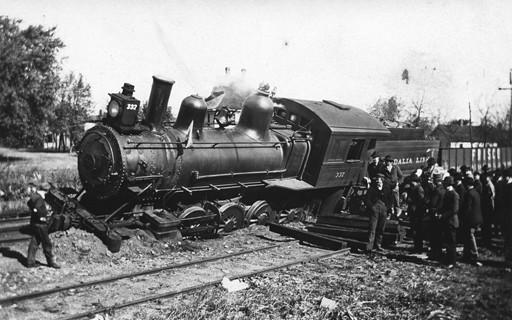 Tren descarrilado. Foto de la IMLS DCC