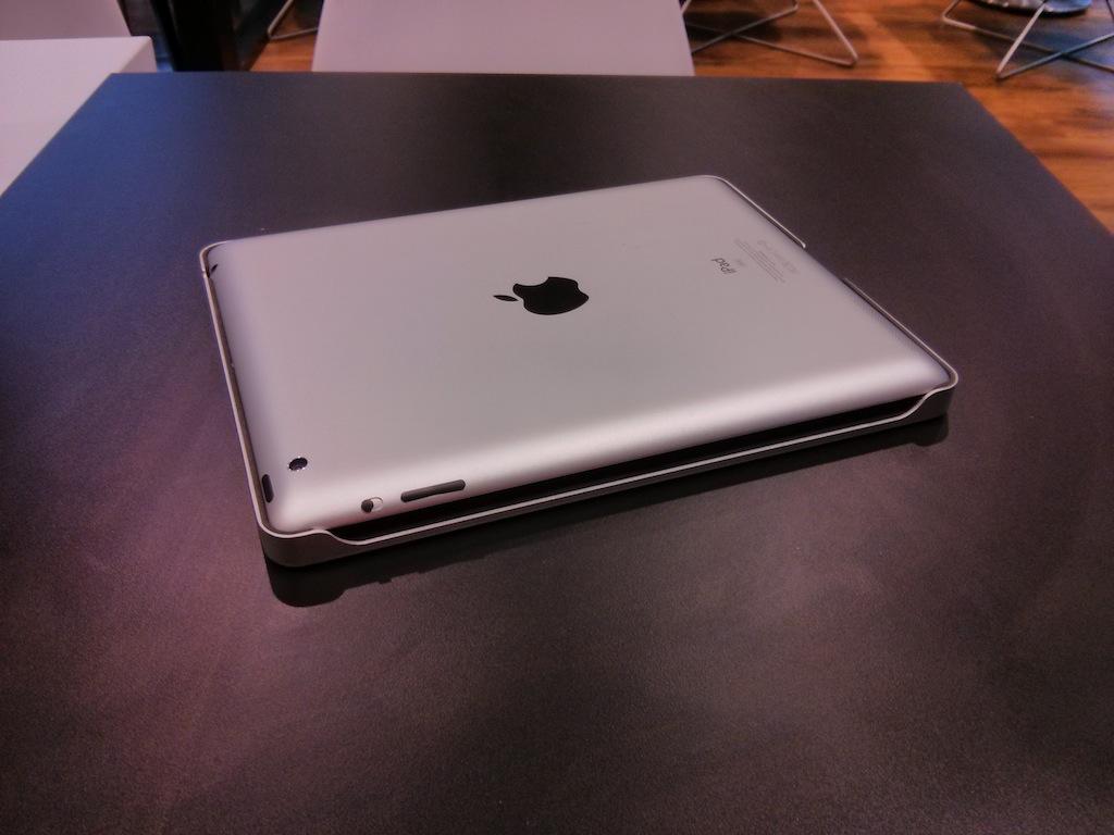 iPad cerrado en su funda